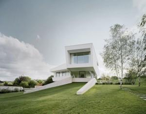3-Futuristic-architecture-600x470