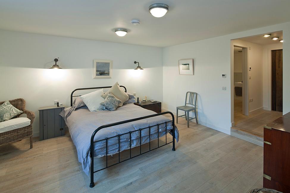 Bedroom-simplicity