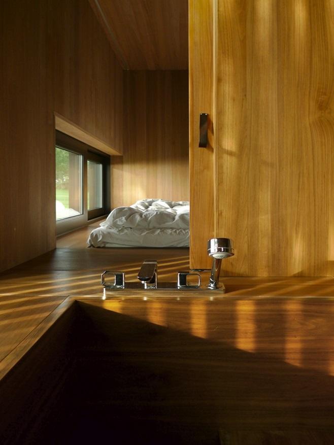 bath 8