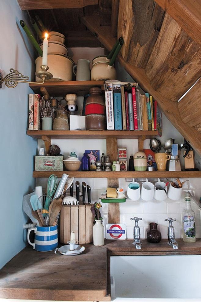 Kitchens under the ladder 47