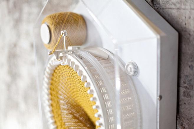 Clock that knits 11