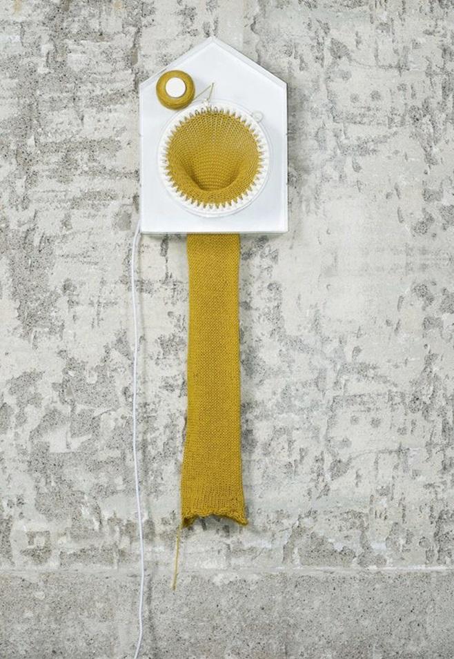 Clock that knits 2