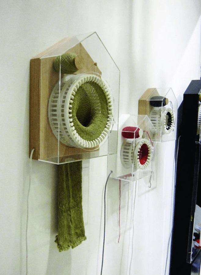 Clock that knits 8