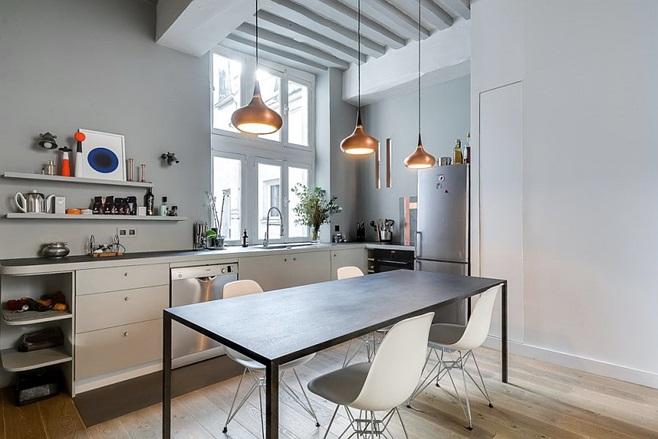 Small Apartment in Paris 8