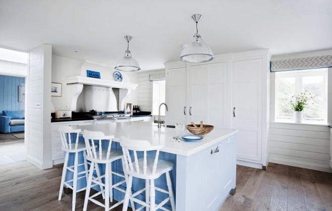 White Kitchen 32