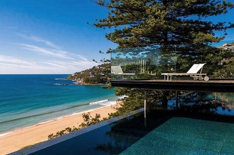 stylish beach house 25