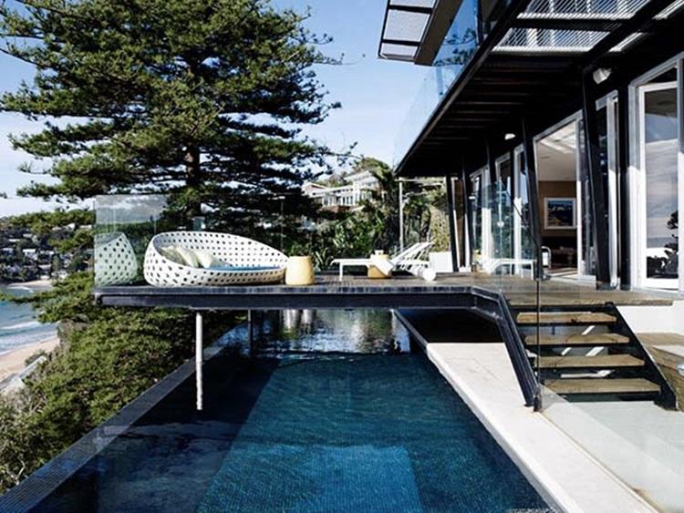 stylish beach house 26
