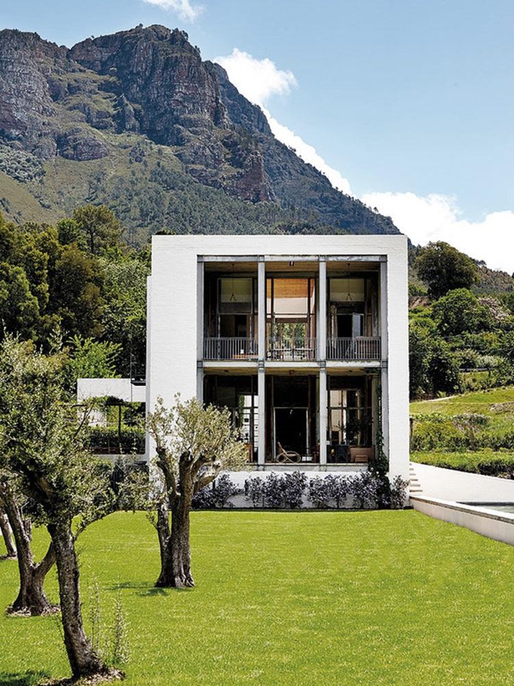 Modern cube house 1