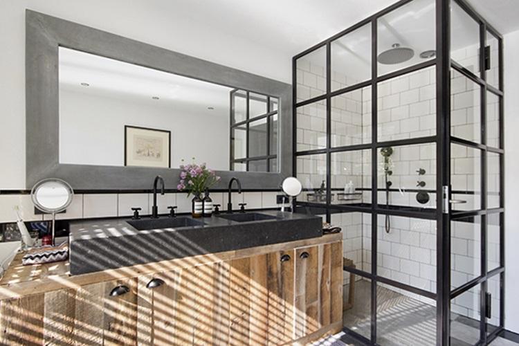 Fascinating apartment in Amsterdam 15