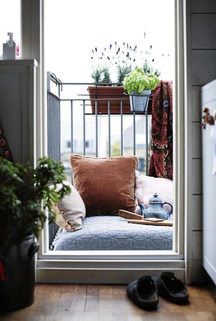 Small balcony design ideas 11