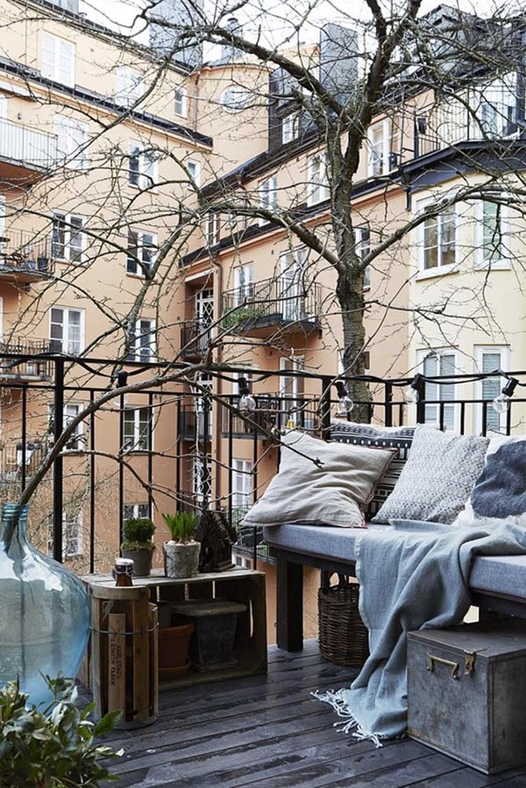 Small balcony design ideas 43