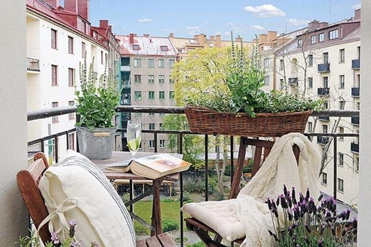 Small balcony design ideas 52