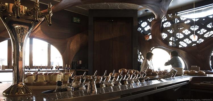 Bar Raval in Toronto 11