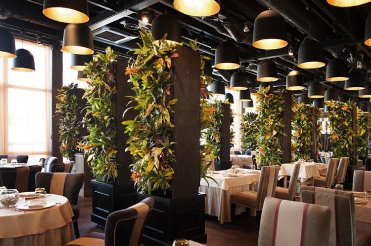 Customized Green Walls 25