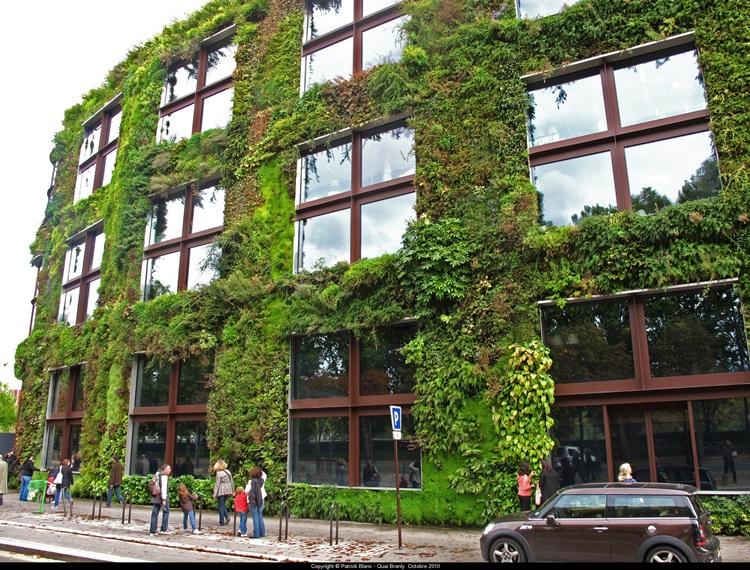 Customized Green Walls 32