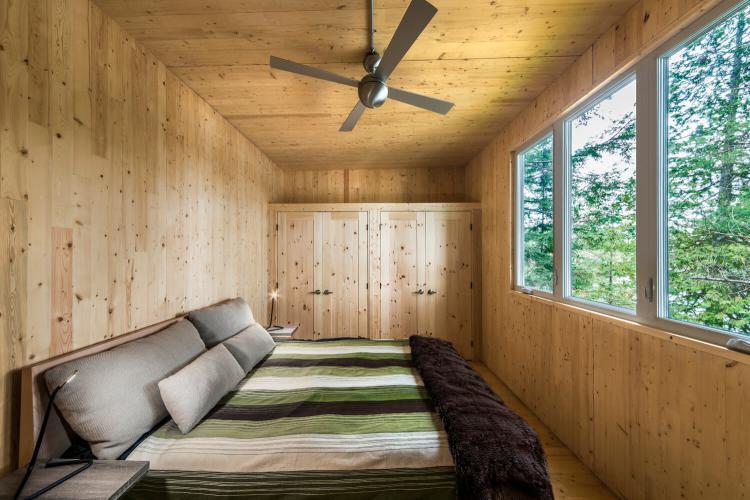 Prefab Cabin in Quebec 4