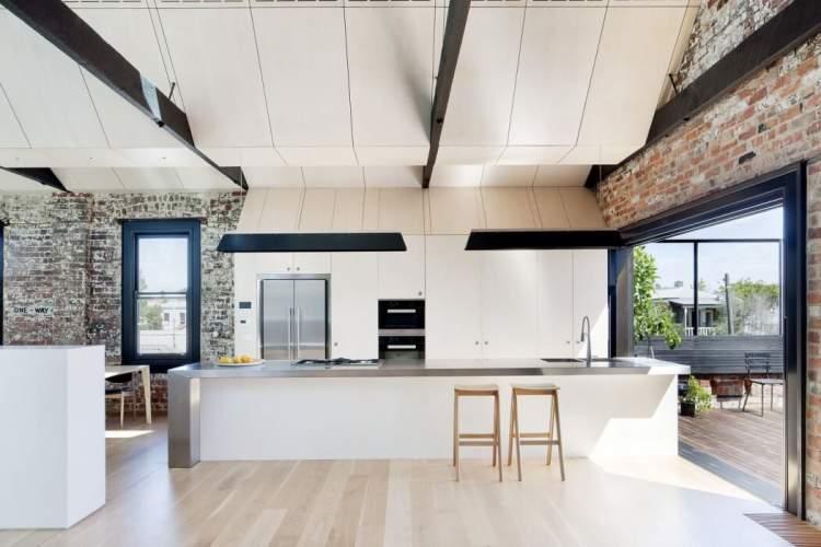 Versatile Living Space 6