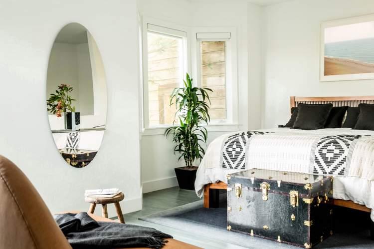 scandinavian-inspired apartment 10