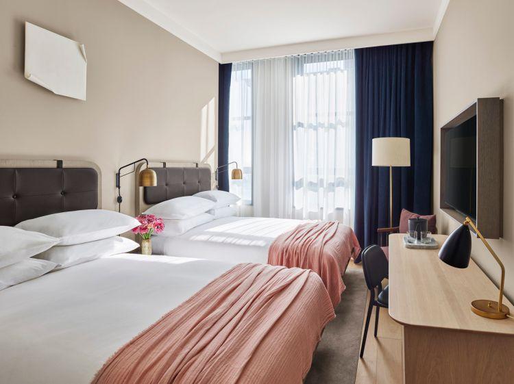 11 Howard Hotel 3